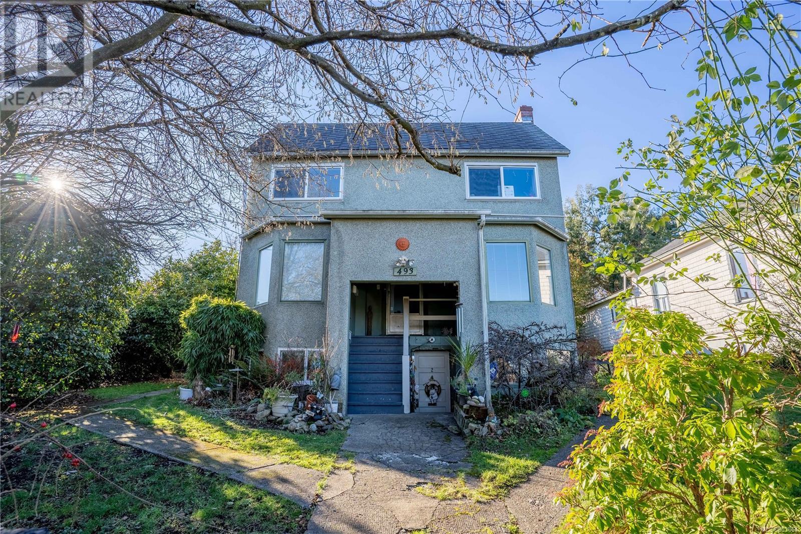 493 Milton St, Nanaimo, British Columbia  V9R 2K9 - Photo 1 - 863864